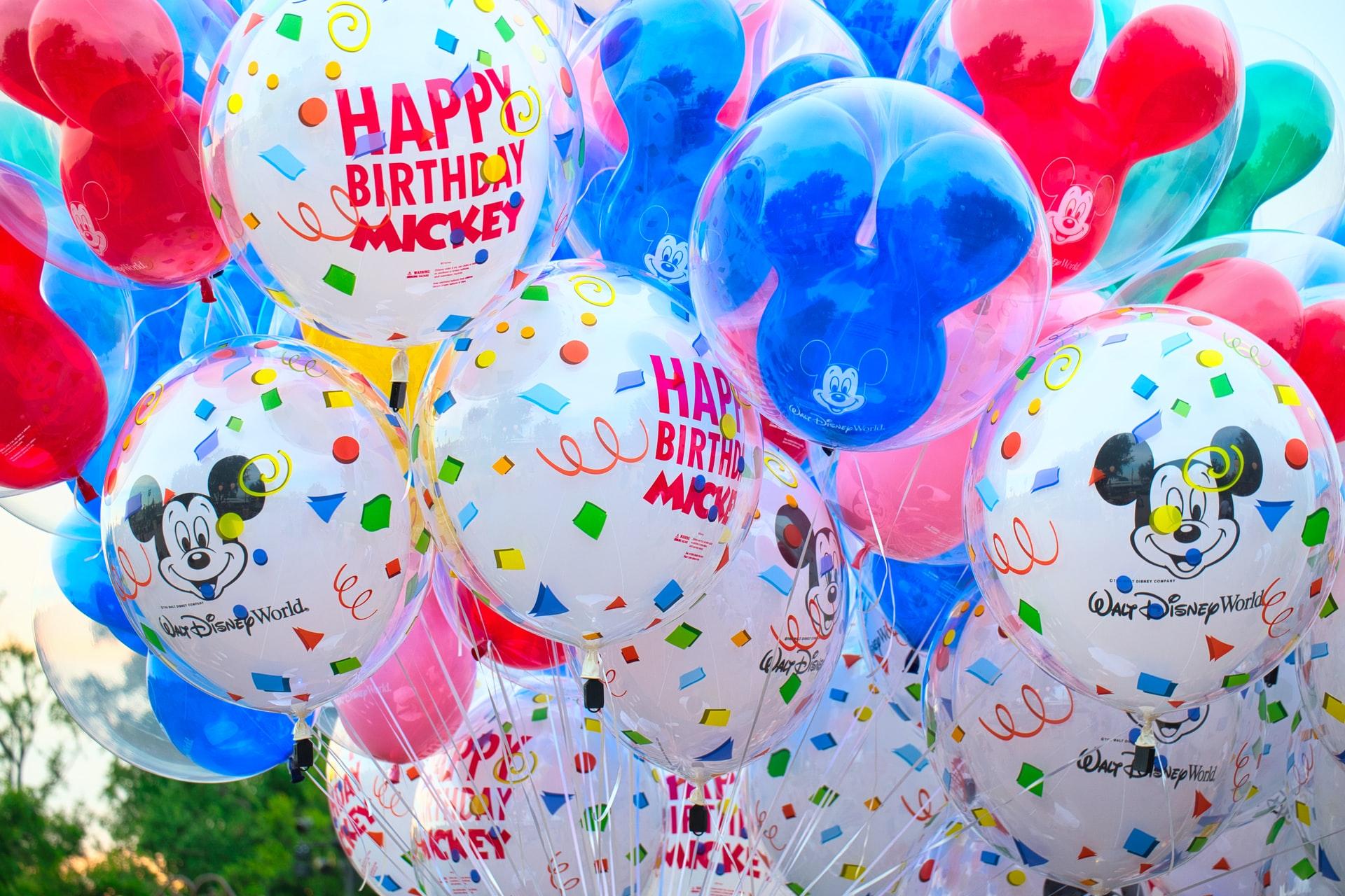 Chistes de cumpleaños para celebrar con humor
